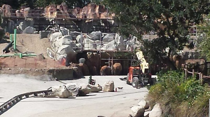 Star Wars / Rivers of America Construction - 4/21