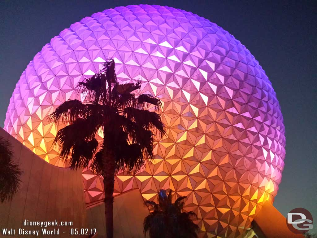 A classic Spaceship Earth Picture