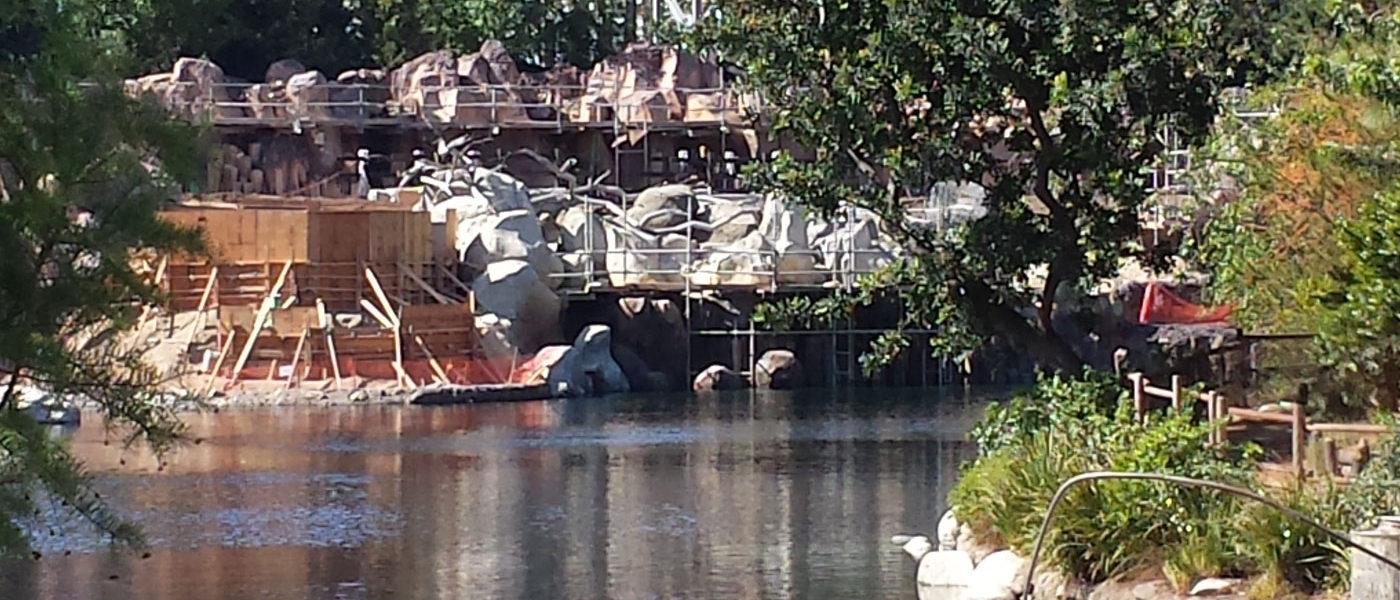 Disneyland Star Wars Construction Check (5/12)