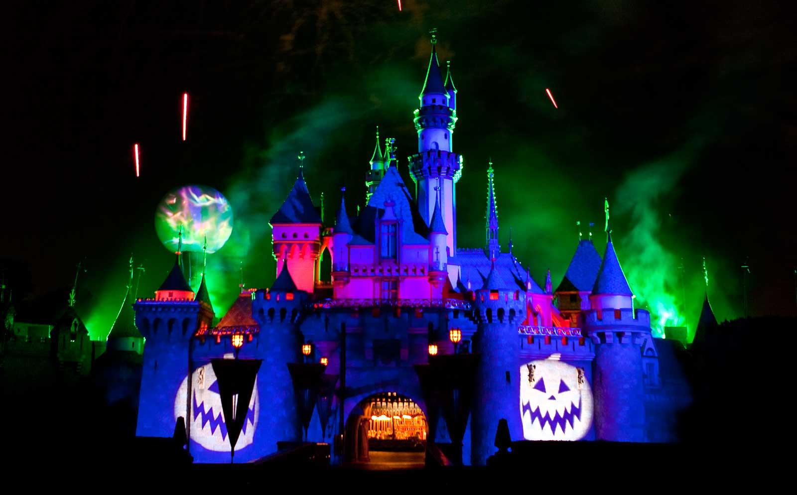 Disneyland Resort Halloween 2017 Details - Cars Land, Mickey's ...