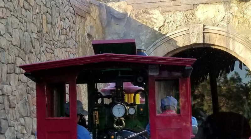 Disneyland Railroad - Toontown Tunnel - Featured