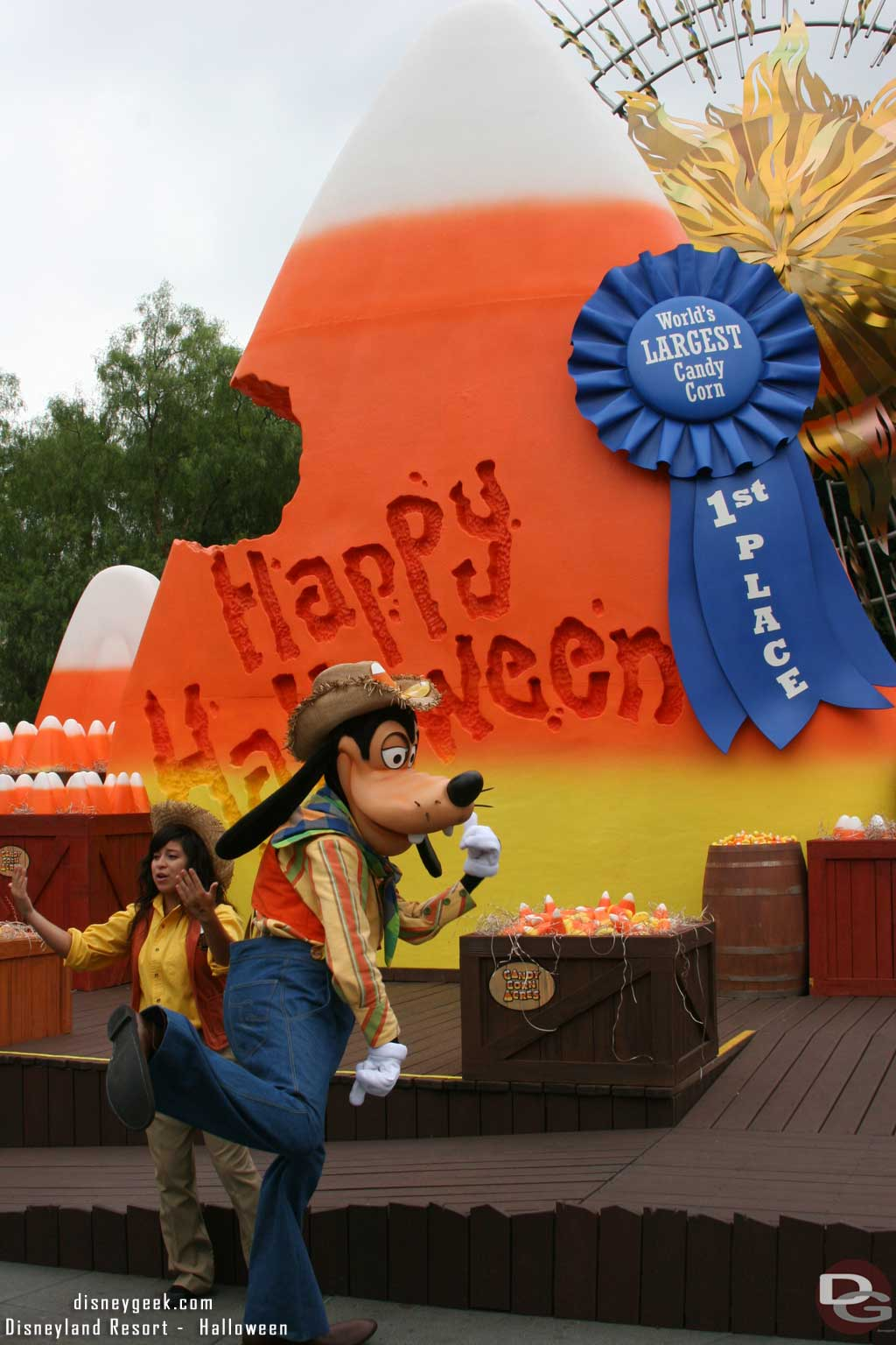 Goofy showing off his dance moves in Candy Corn Acres