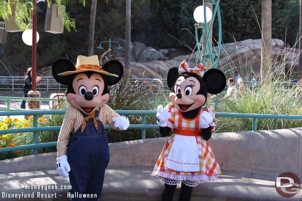 Farmer Mickey and Minnie were available for photos.