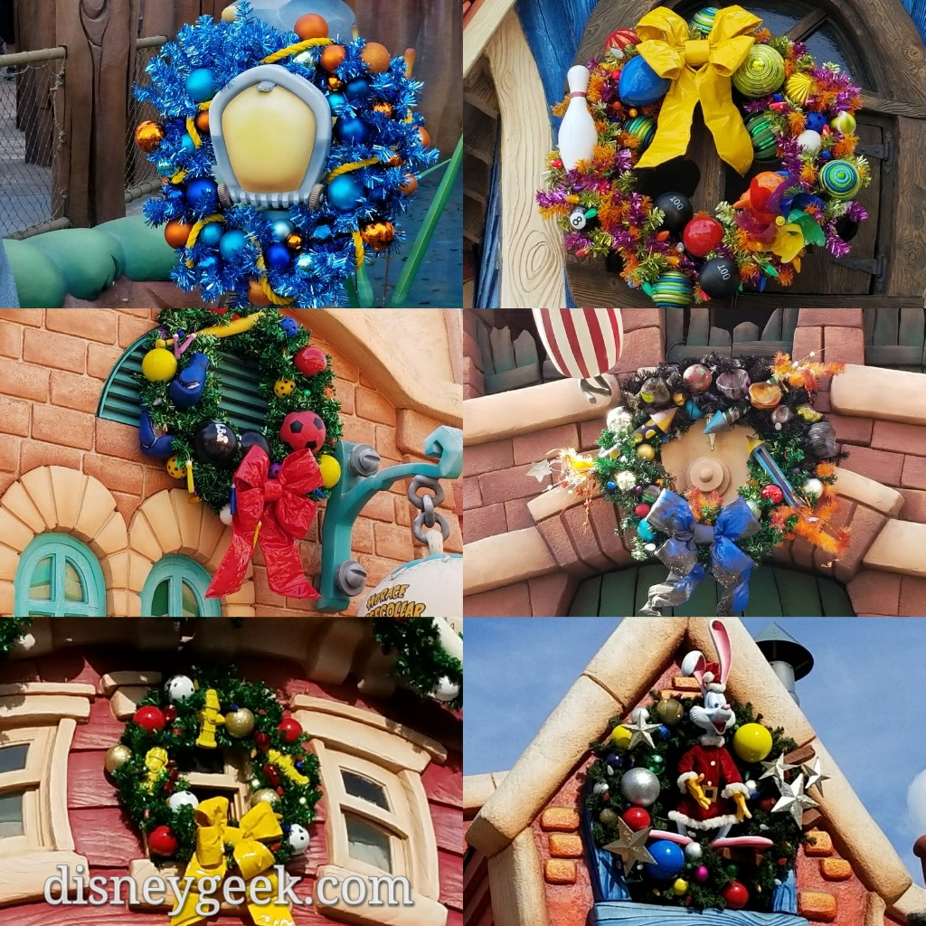 Disneyland Decorated For Christmas: Residents Of Disneyland Toontown Have Decorated For
