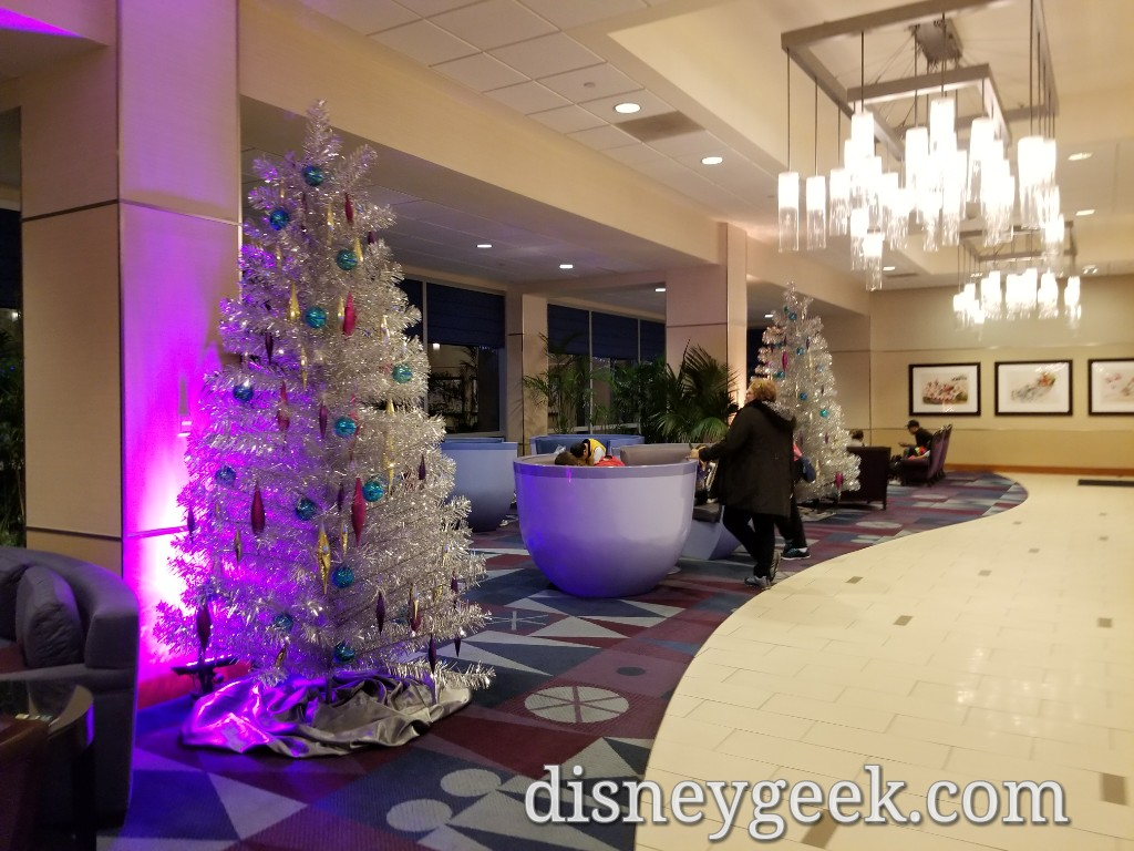 disneyland hotel christmas decorations several pictures