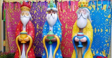 Dia de Reyes (Three Kings) Celebration at Disney California Adventure