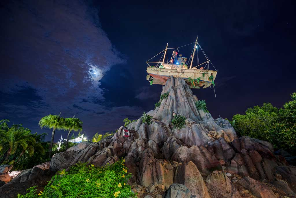 Typhoon Lagoon - Miss Tilly Mount Mayday