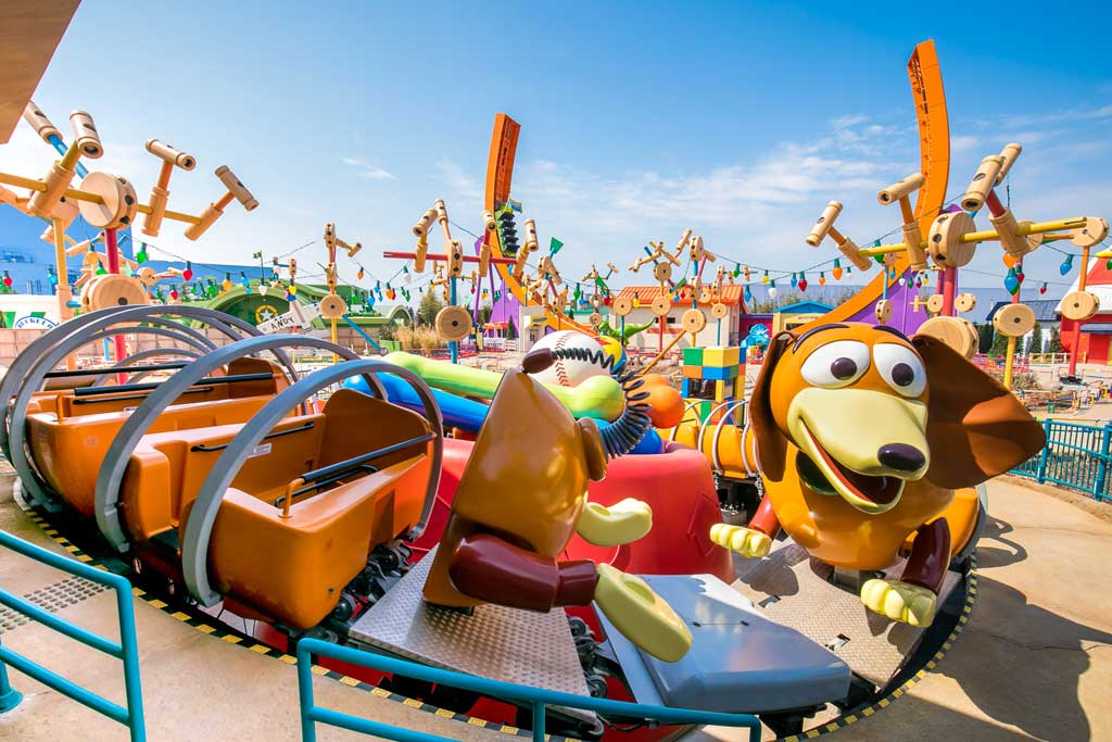 Shanghai Disneyland Toy Story Land - Slinky Dog