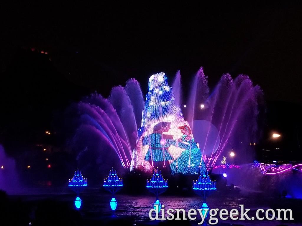 Tokyo DisneySea – Fantasmic Pictures from this Evening