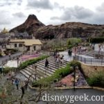 Tokyo DisneySea Pictures – Mt. Prometheus from several locations