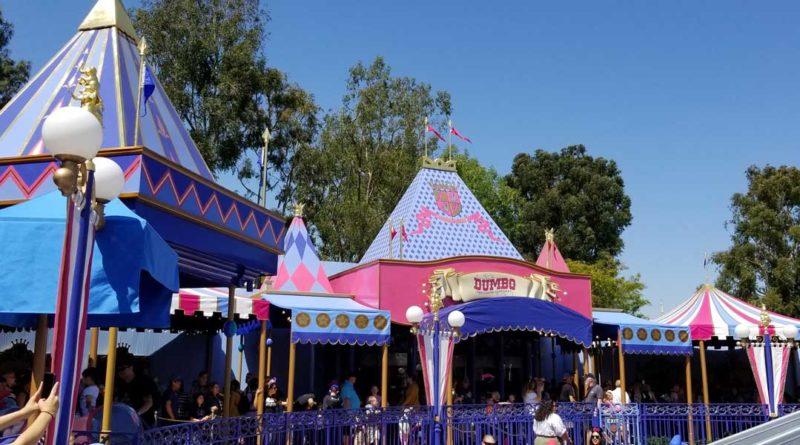 Dumbo queue in Fantasyland