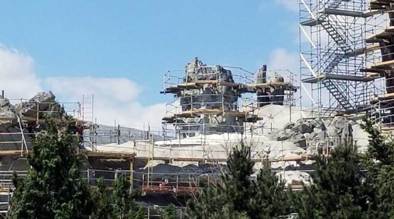 Star Wars Galaxy's Edge - 5/25