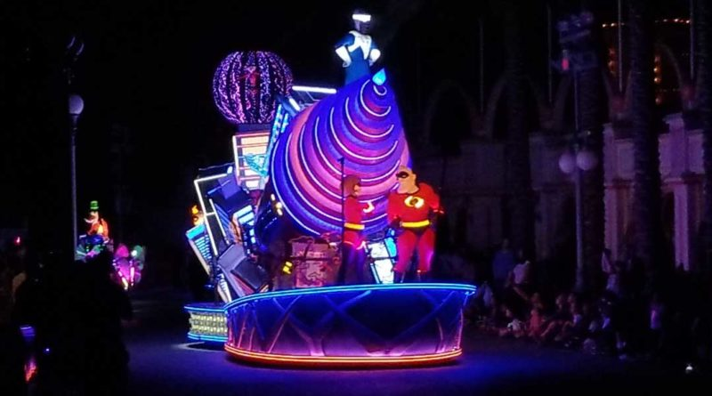 Incredibles in Paint the Night