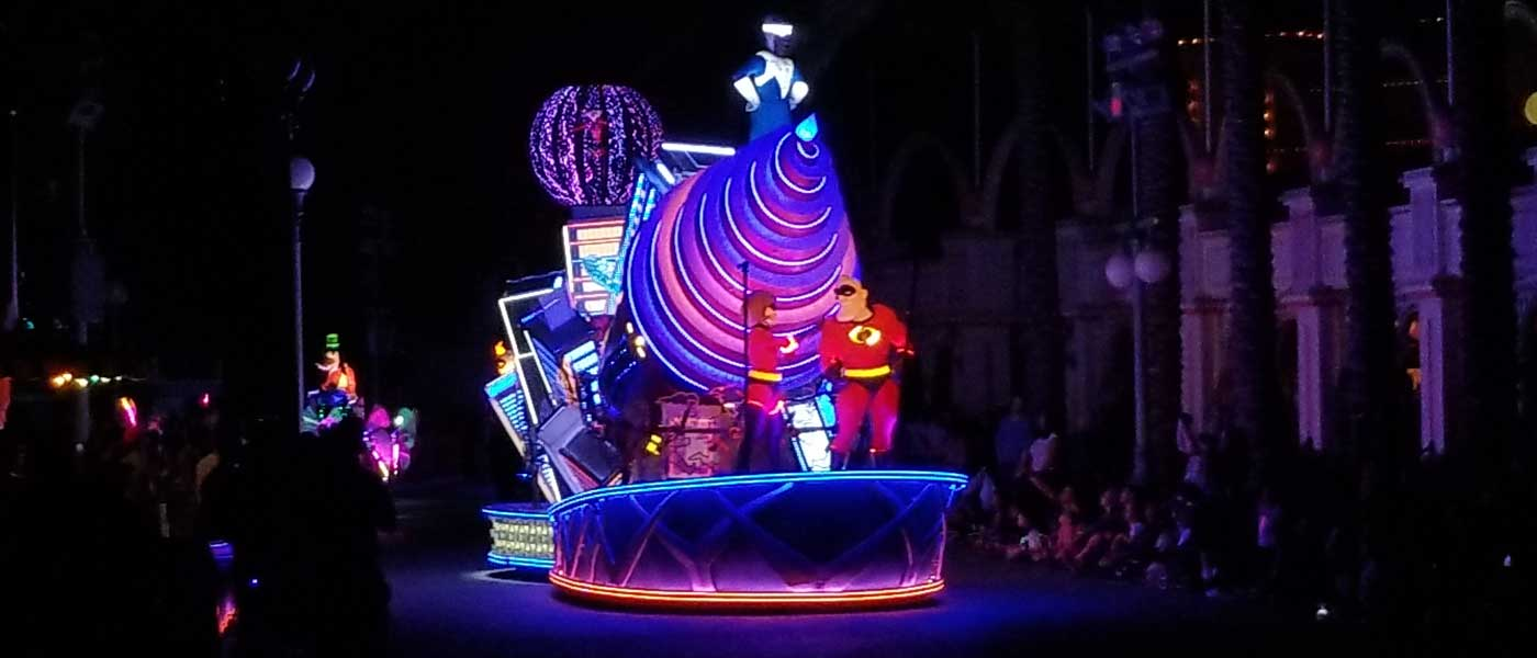 Paint the Night at Disney California Adventure including the Incredibles (several pictures & video)