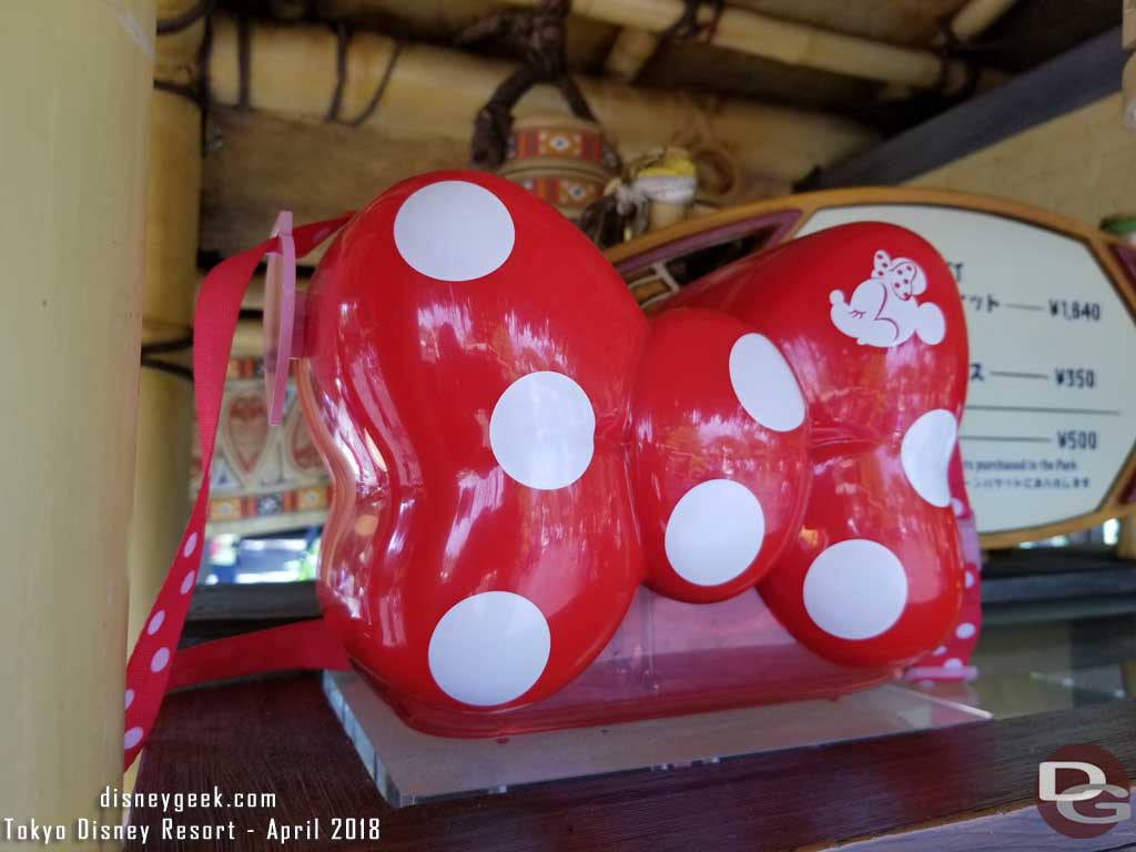 Minnie Popcorn Buckets for 1,640 yen at the cart in front of Polynesian Terrace Restaurant in Adventureland.