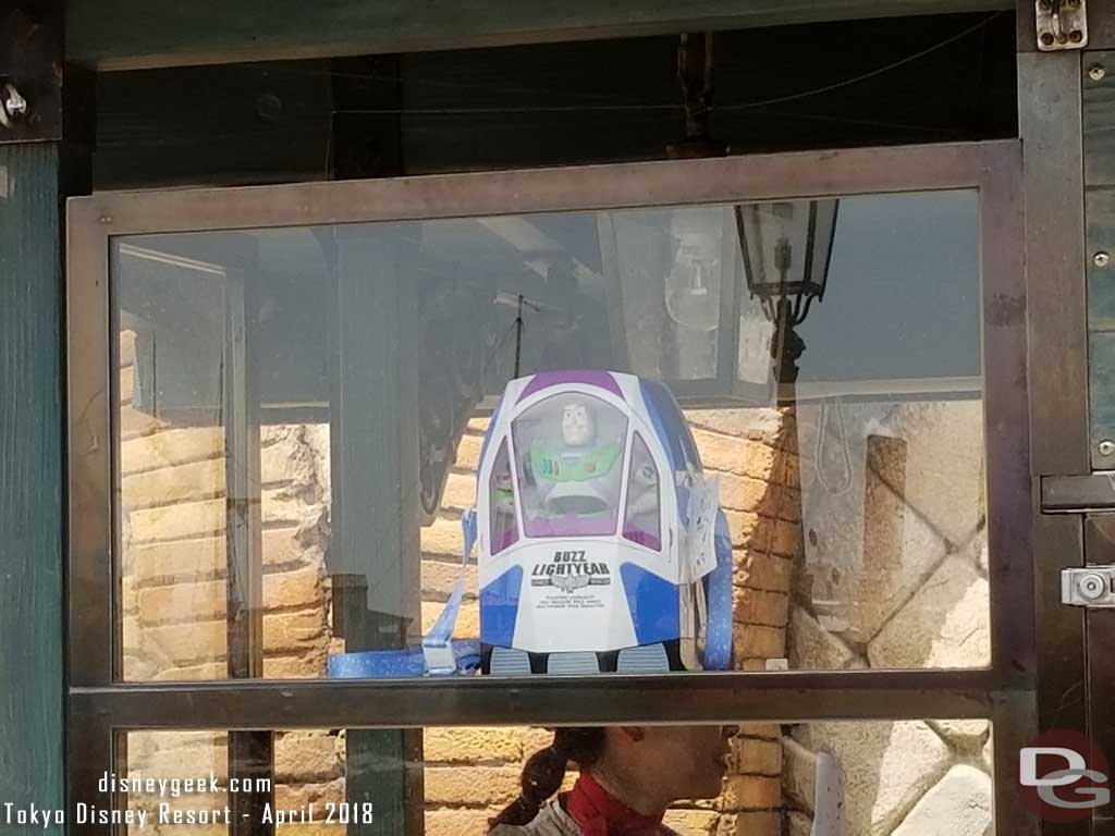 The cart At the top of Via Delle Viti features a Buzz Lightyear Bucket
