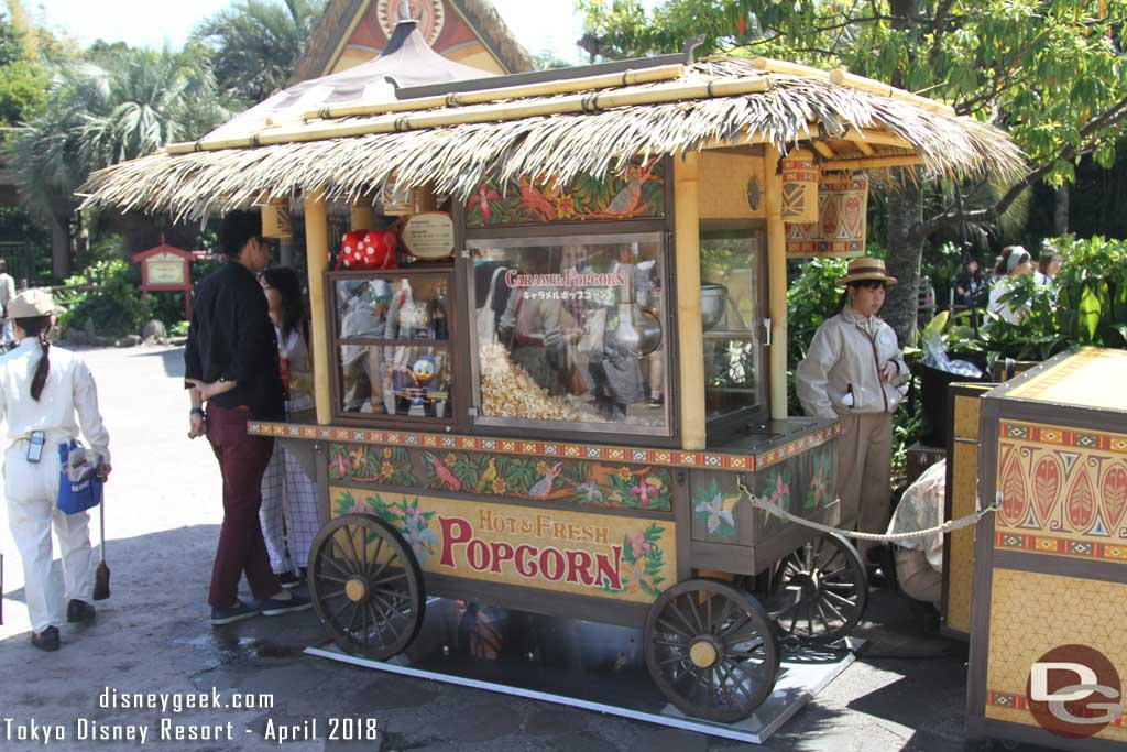 Tokyo Disneyland Popcorn cart in front of Polynesian Terrace Restaurant in Adventureland.