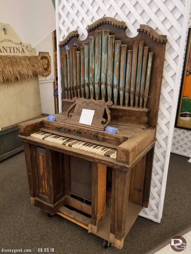 Swiss Family Treehouse Organ