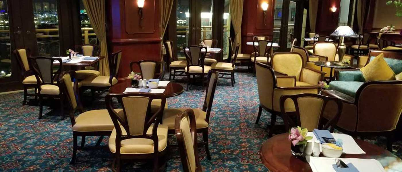 Shanghai Disneyland Hotel Magic Kingdom Club Experience/Review