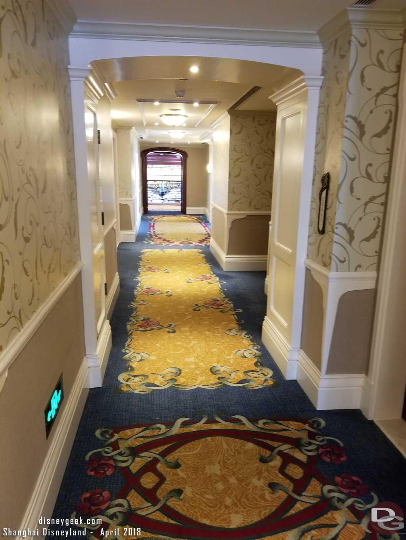Shanghai Disneyland Hotel - Hallway