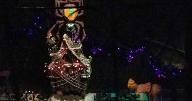 Haunted Mansion Holiday - Ballroom Gingerbread House
