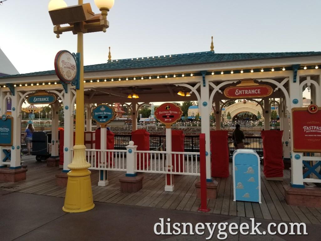 Walk Around Pixar Pier Several Pics Checking Out Recent Changes The Geek S Blog Disneygeek Com