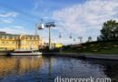 Disney Skyliner Epcot Line   – still full of gondolas and not moving