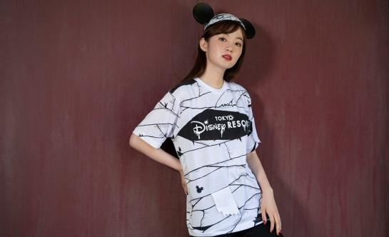 T-shirt (Size: M, L) 2,800 yen each Mickey hat 2,000 yen