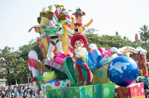 """Disney Christmas Stories""at Tokyo Disneyland Disney/Pixar"
