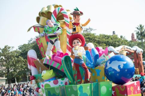 """Disney Christmas Stories""at Tokyo Disneyland Disney/Pixar"