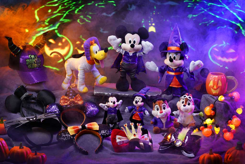 Hong Kong Disneyland - Halloween - More than 110 special Halloween-themed merchandise items are available during the event period.