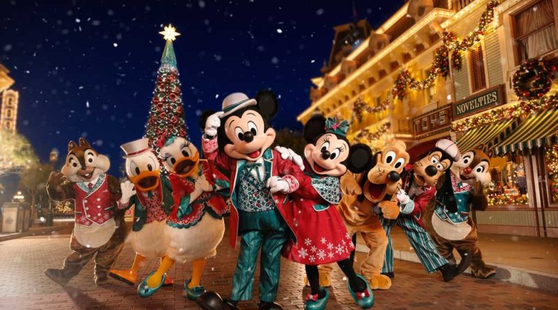 "Join Mickey, Minnie, Anna and Elsa to wish your loved ones a ""Happy Disney Wishmas"""