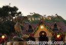 Pictures: Mickey's Toontown Christmas Decorations