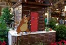 WDW Pictures: Wilderness Lodge Christmas Decorations featuring a Gingerbread Cabin