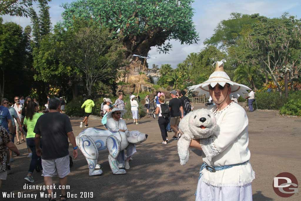 Merry Menagerie @ Disney's Animal Kingdom - seal and small polar bear