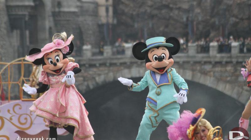 Tokyo DisneySea Fashionable Easter 2015 - Mickey Mouse & Minnie Mouse