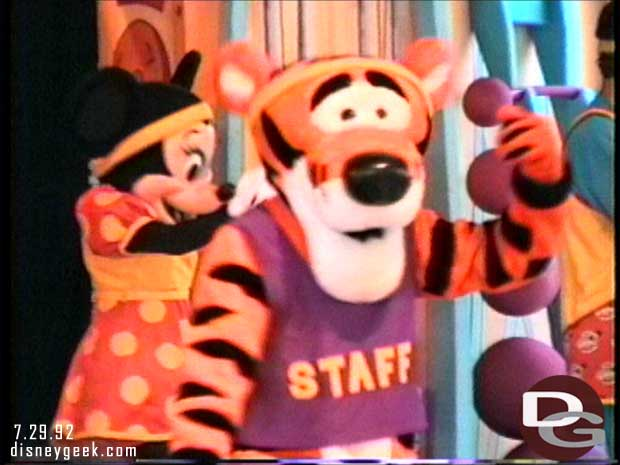 Goofy Toons Up @ Disneyland - Tigger
