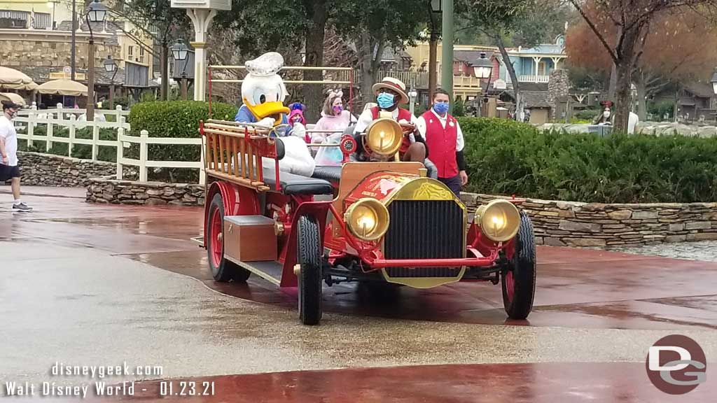 Donald Duck in Main Street Fire TruckRainy Day Cavalcade @ Magic Kingdom