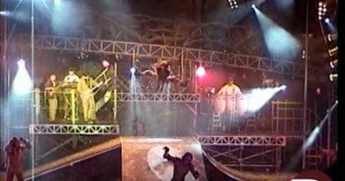 Tarzan Rocks - Disney's Animal Kingom March 2000