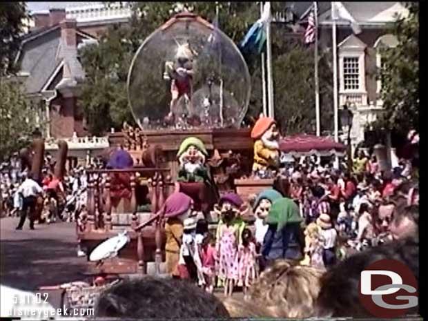 Share a Dream Come True Parade - Magic Kingdom (May 2002)