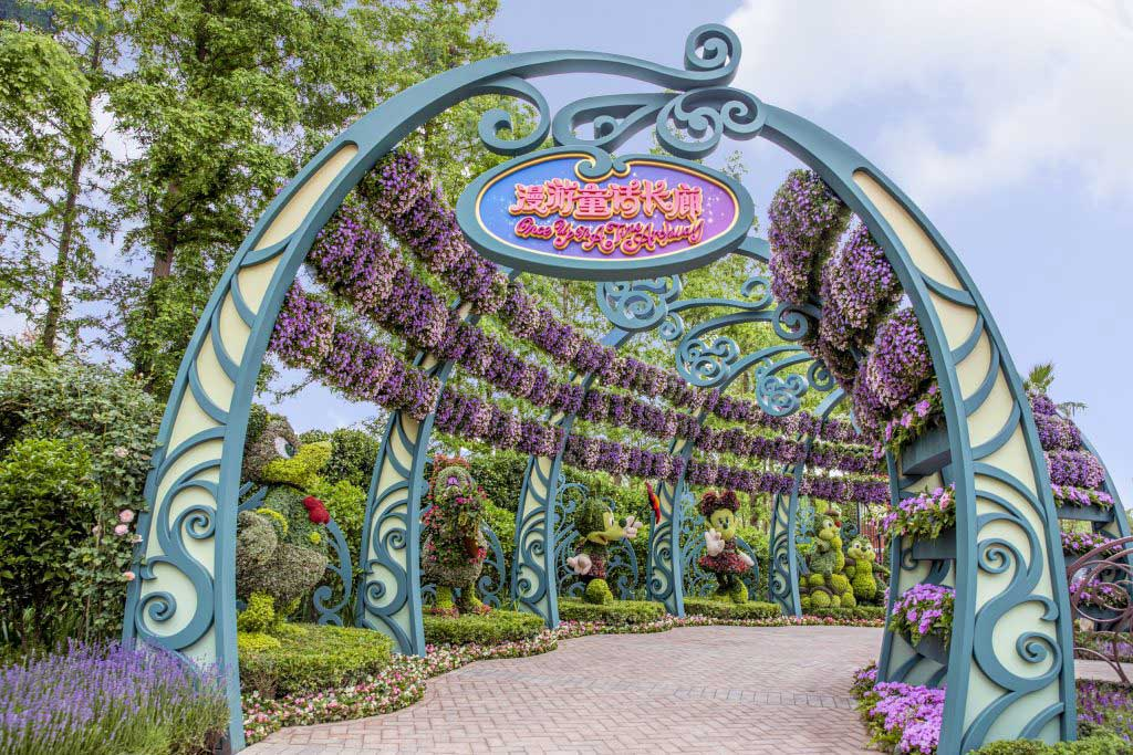 Visitors to the Dream Garden can also enjoy floral sculptures of some of their favorite Disney characters