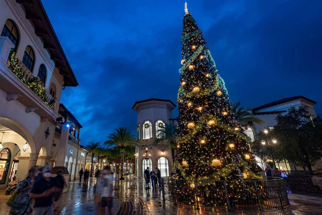 Disney Springs Holiday Decorations - Christmas Tree
