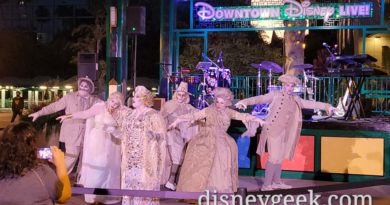 Pictures & Videos: SCAREolers @ Downtown Disney