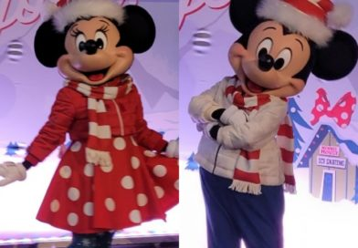 Pictures: Mickey & Minnie Debut New Holiday Attire @ Magic Key Experience